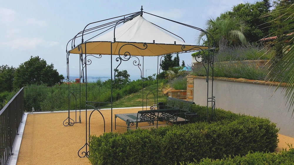 gazebo in ferro zincato